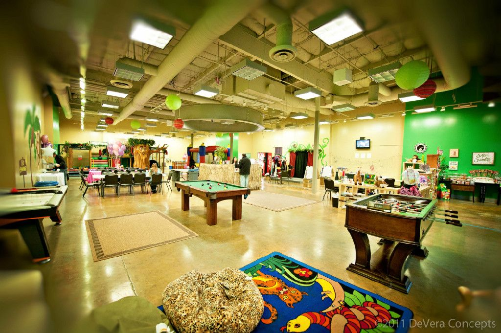 Jungle Party House At The Sierra Vista Mall A Really Fun Place For Your Kids They Have Open Play Mon Fri And Do P Jungle Party Kid Friendly Fun House Party