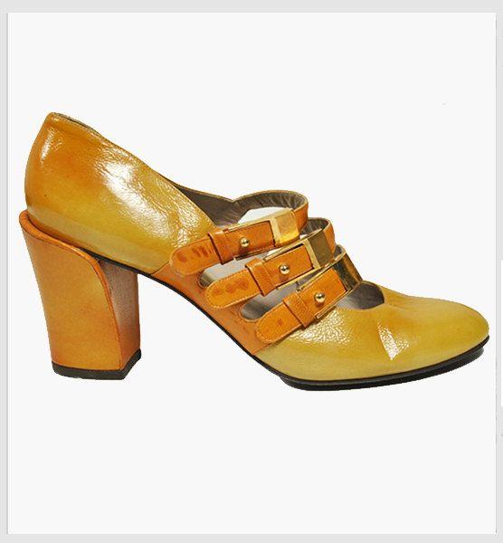 Olivia K Womens Classic Low Mid Heels Mary Jane Pumps