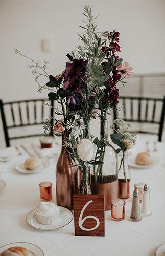 Moody Mauve Wedding with Copper Détails