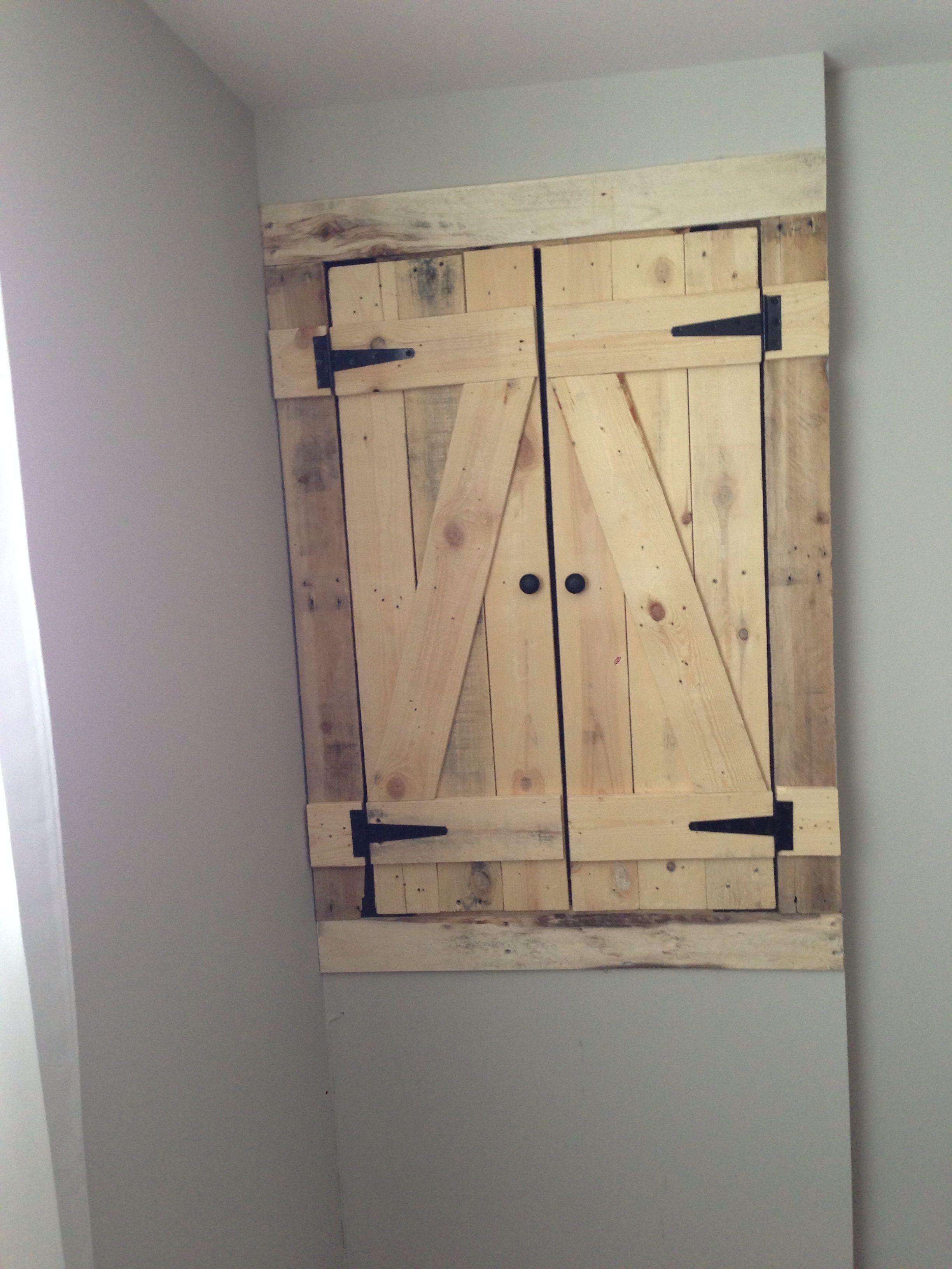 pour cacher le panneau lectrique c 39 est pratique id es. Black Bedroom Furniture Sets. Home Design Ideas