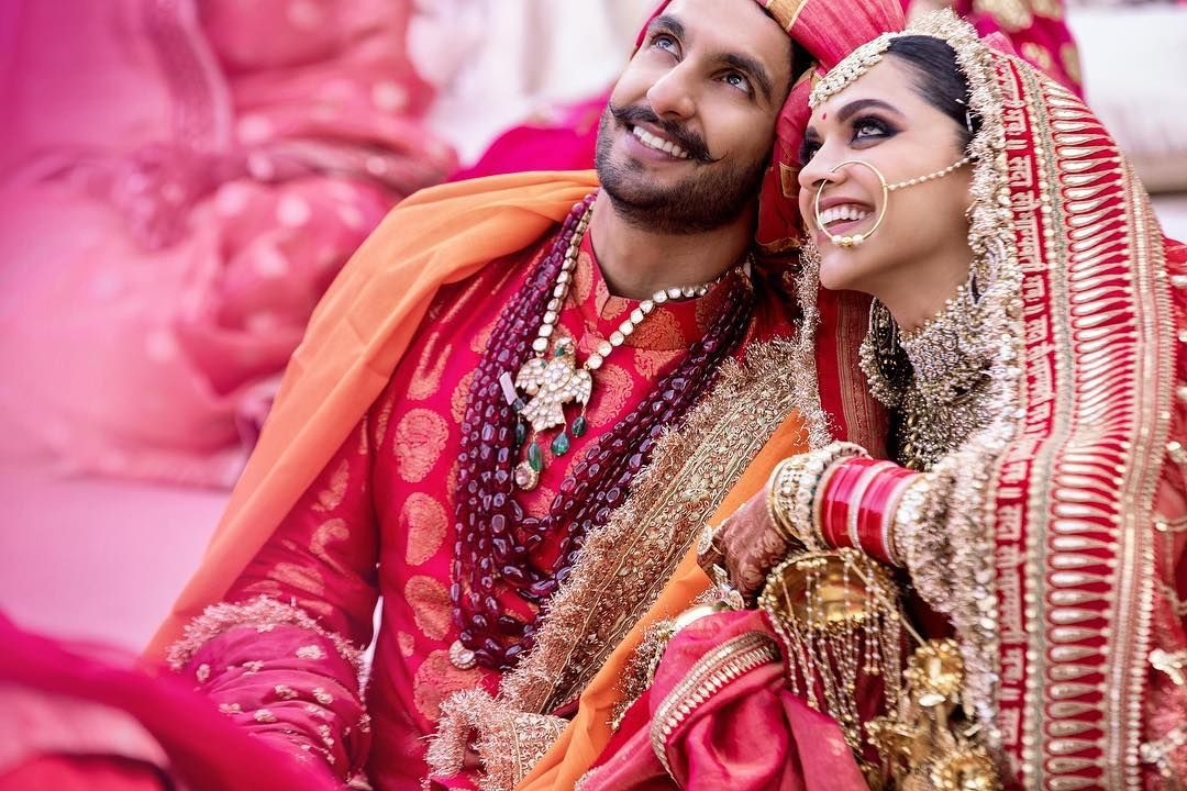 Beautiful Bollywood Couple Deepika Ranveer Deepikapadukone Ranveersingh Marriage Italy Rangblaze Trend Viral In 2020 Fashion Indian Wedding Celebrity Jewelry
