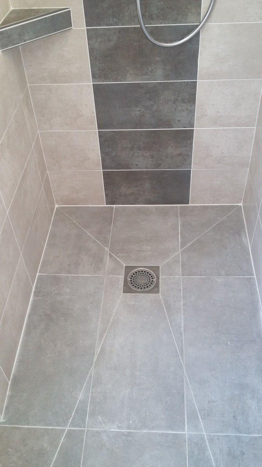 Roll In Shower Floor Idee Salle De Bain Deco Salle De Bain Toilette Plan Salle De Bain