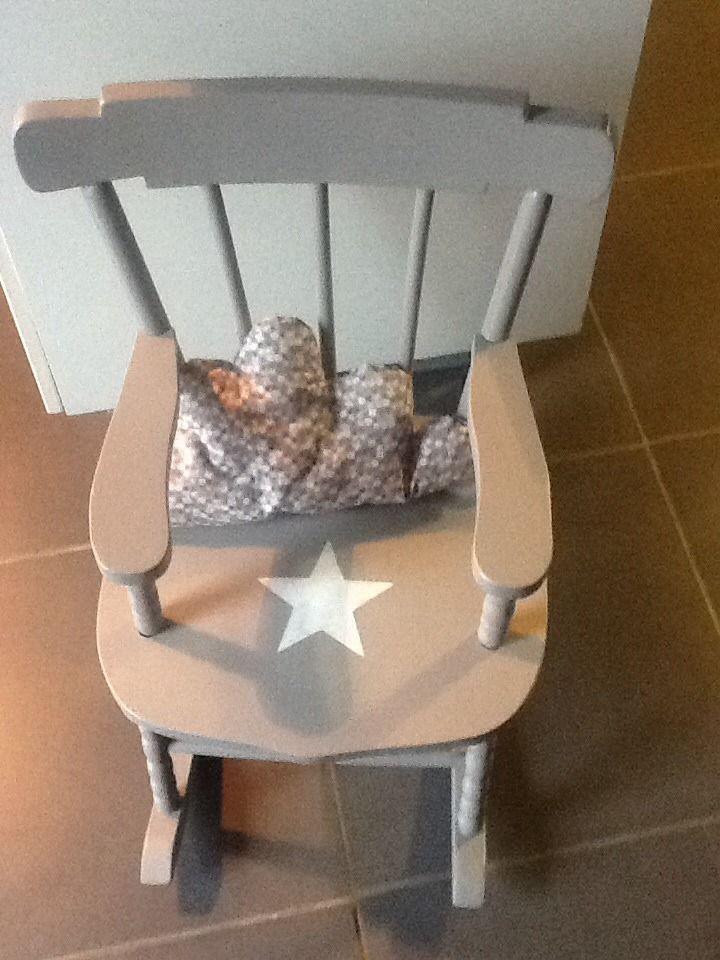fauteuil bascule rocking chair pour enfant avec coussin nuage chambre d 39 enfant de b b par. Black Bedroom Furniture Sets. Home Design Ideas