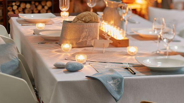 vaisselle noel pour une belle déco de table de fêtes | house