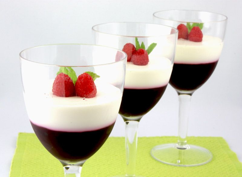Panna Cotta and Raspberry Jelly Parfait {Panna Cotta con Gelatina di Lamponi}