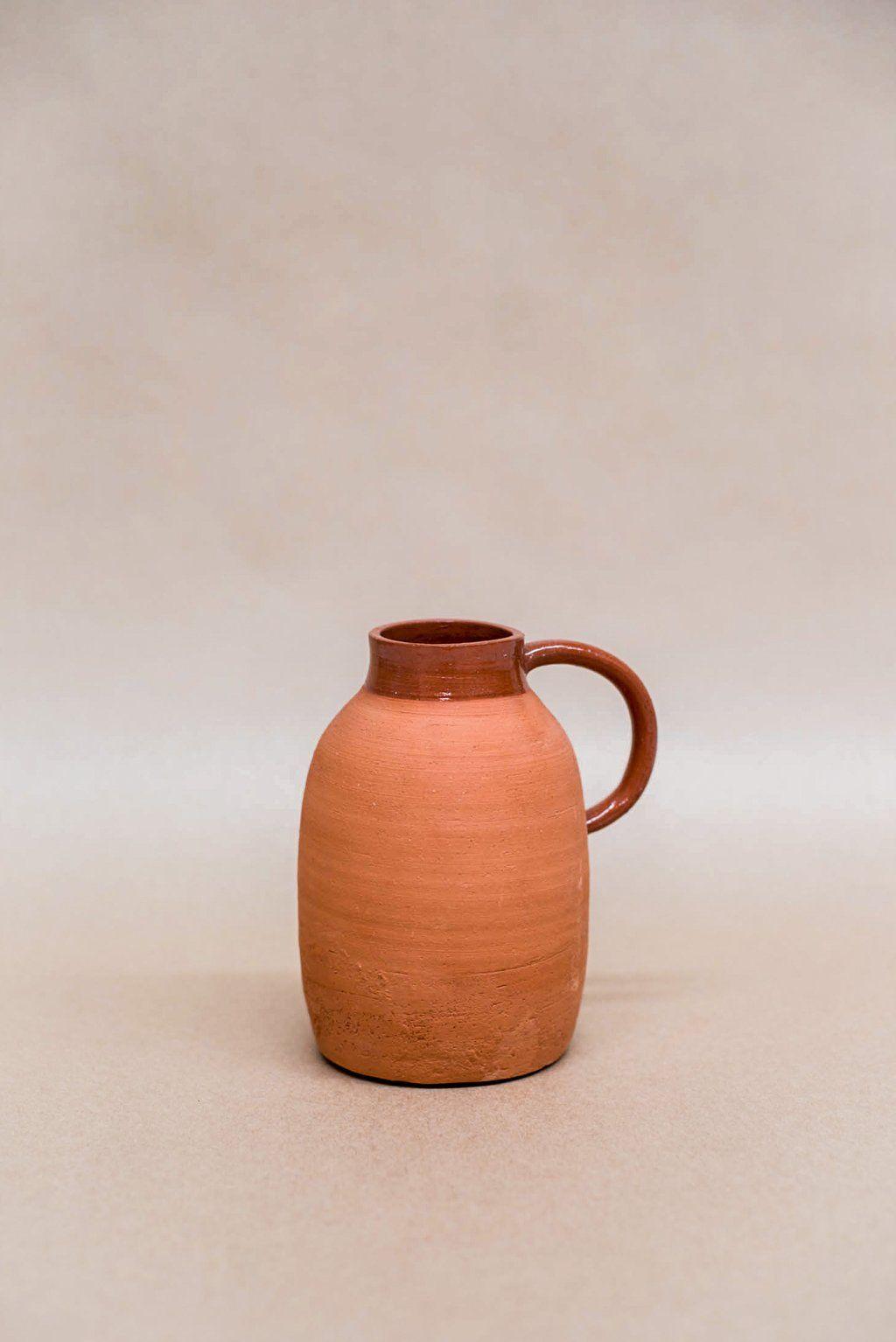 Amy leeworthy ceramics terra vase 5 vase ceramics
