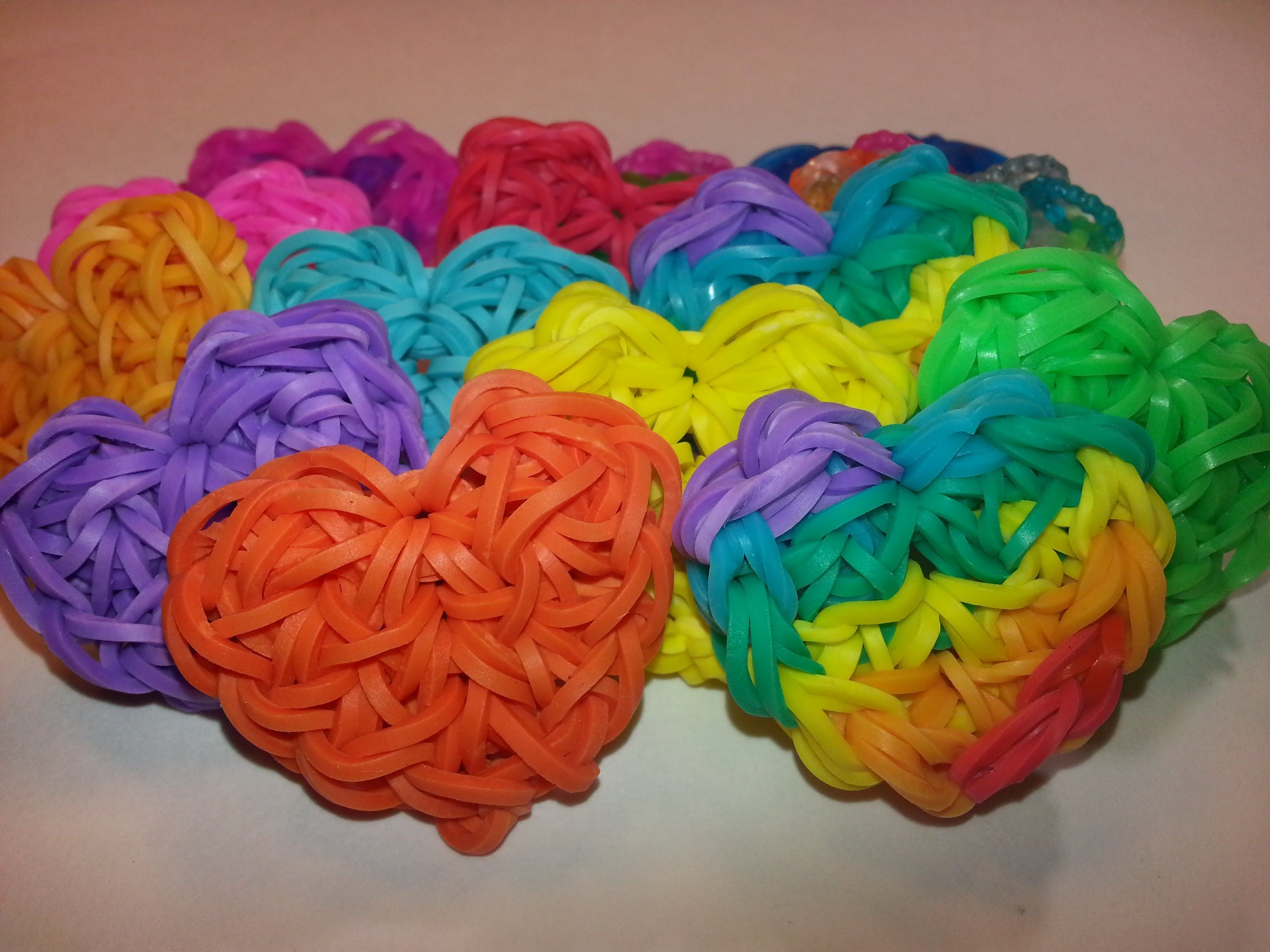 how to make a heart rainbow loom