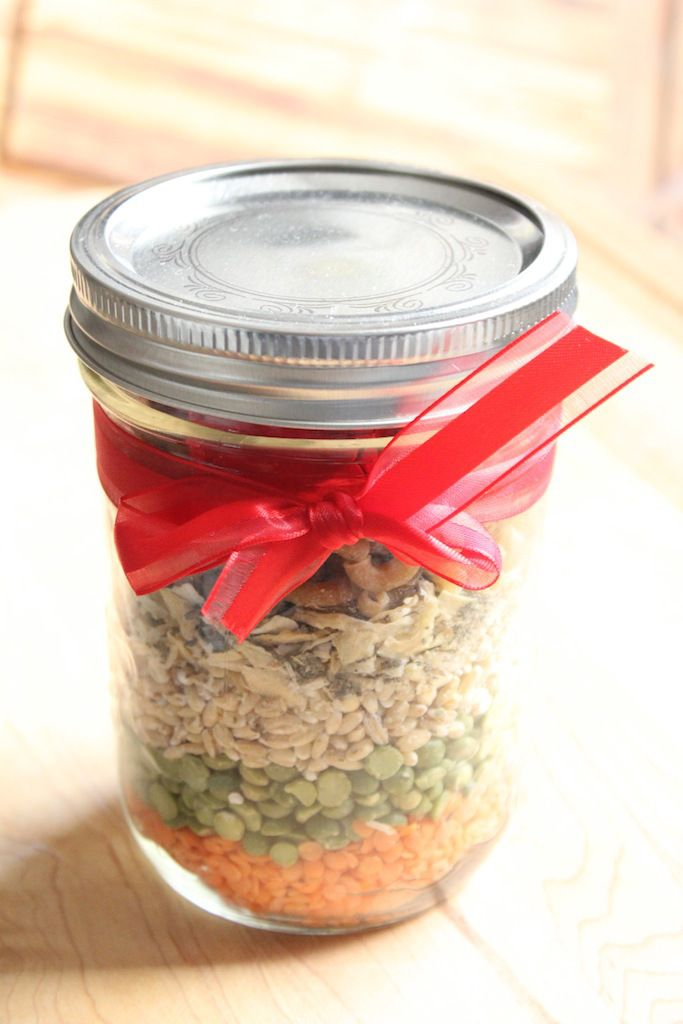 Holiday gift idea: Minestrone soup in a jar | IDÉES CADEAUX | Pinterest