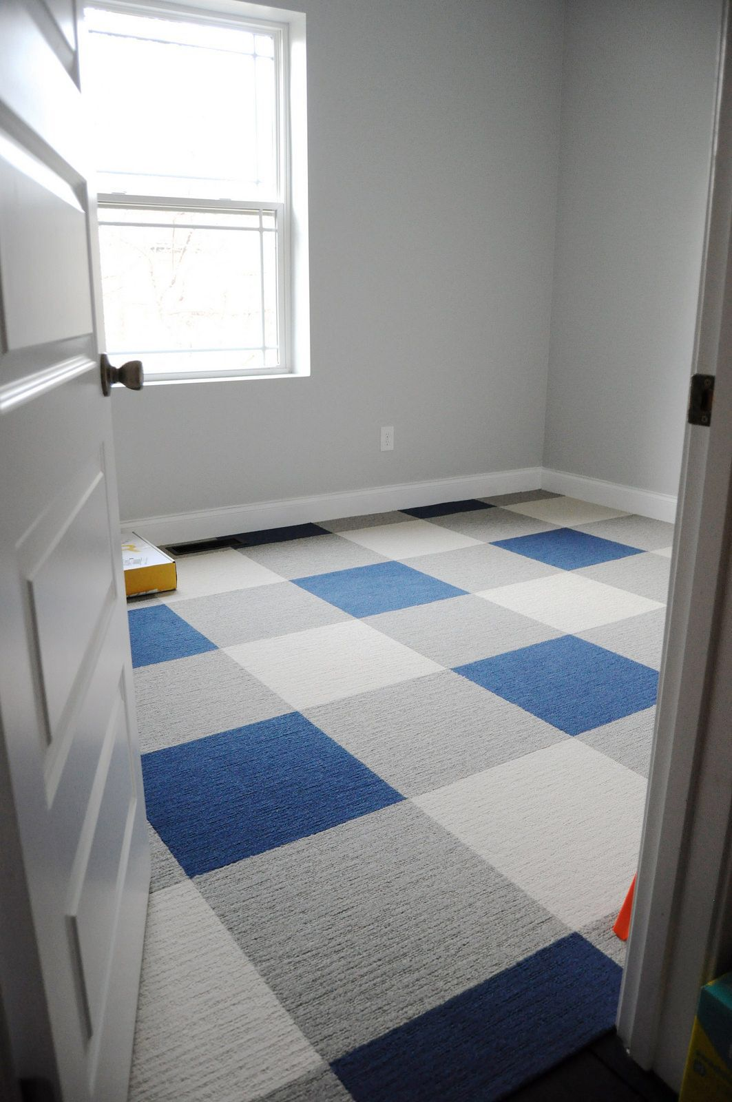 Buffalo Plaid Floor Using Carpet Tiles With Images Tile