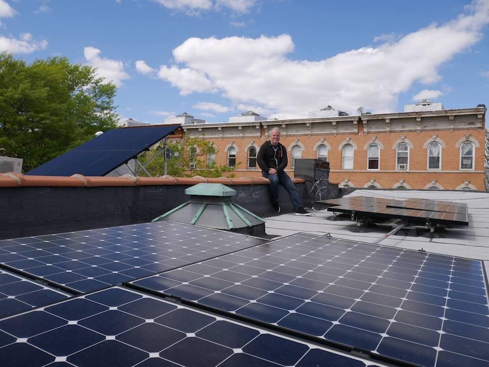 Brooklyn Microgrid Donde Los Vecinos Pueden Producir Consumir Y Comprar Energia Dentro De Su Comunidad Con Imagenes Energia Renovable Energia Solar Energia