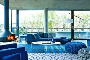 living-room-dazzling-blue-spring-color