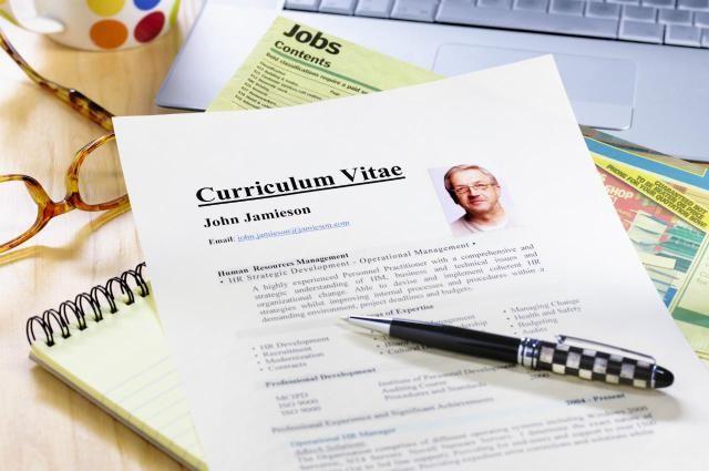 Les 25 meilleures id es de la cat gorie curriculum vitae for Idee de job