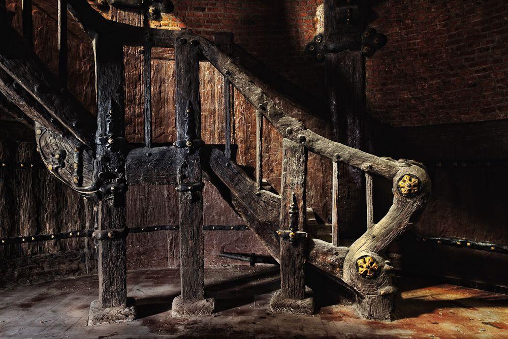 grand staircase by schnotte.deviantart.com