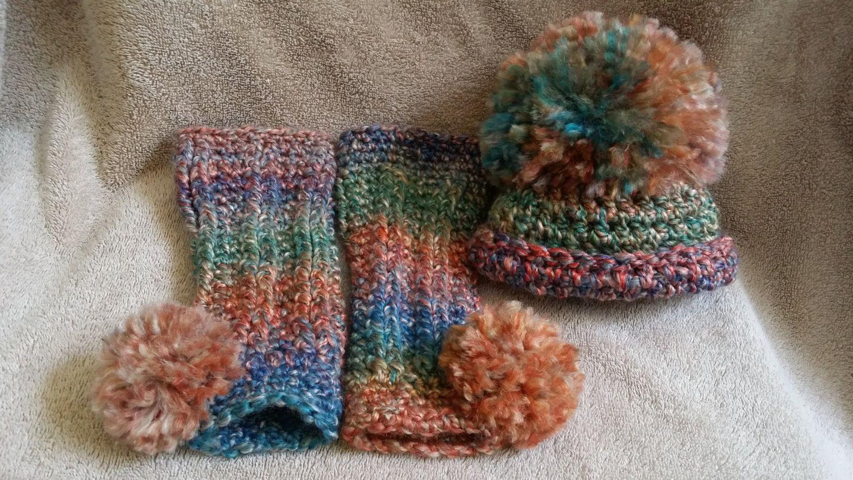 Pom Pom hat &leg warmer set, size 0-3mos in Desert Sunset by MadeForPais on Etsy