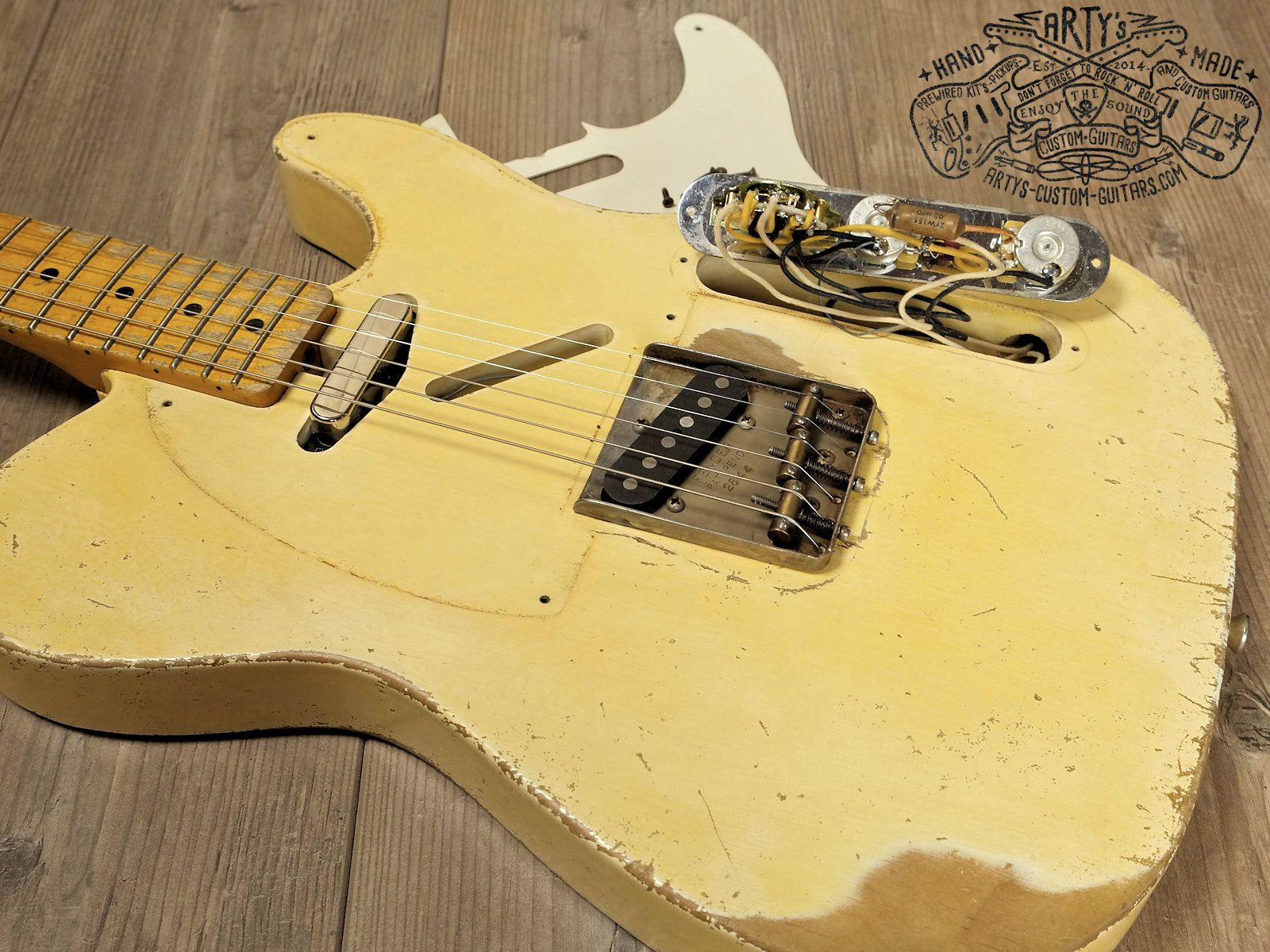 vintage blonde 1958 telecaster maple neck alder body nitro finish relic aged arty s custom guitars blond [ 1600 x 1200 Pixel ]