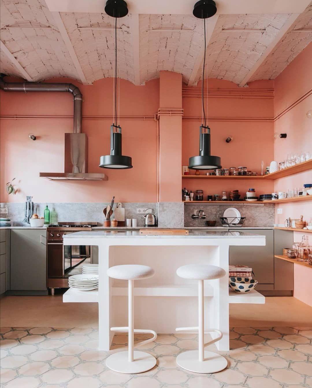 Elle Decoration On Instagram Peach Perfect We Blijven Het Zeggen Breng Kleur In Je Interieu Kitchen Design Color Kitchen Tiles Design Kitchen Pantry Design