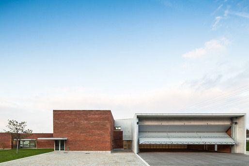 ShowCase: Santo Tirso Fire Station by Álvaro Siza Vieira