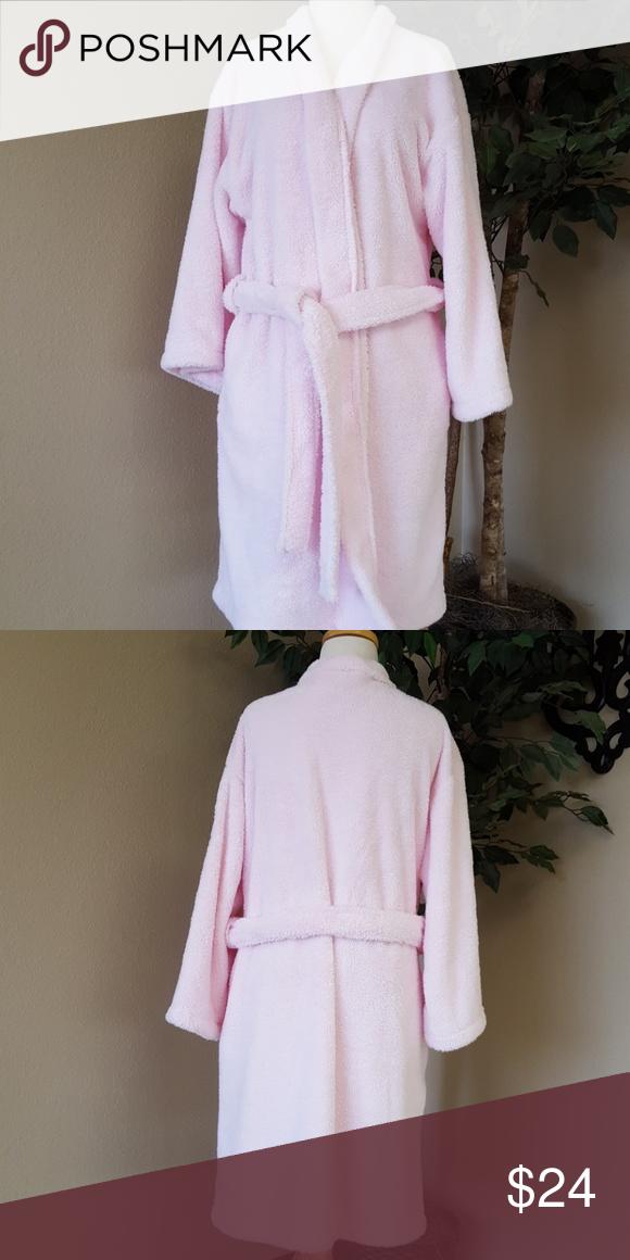 094787b0ca Bath   Body Works Robe Supper fluffy and warm Bath   Body Works Robe Bath    Body Works Intimates   Sleepwear Robes