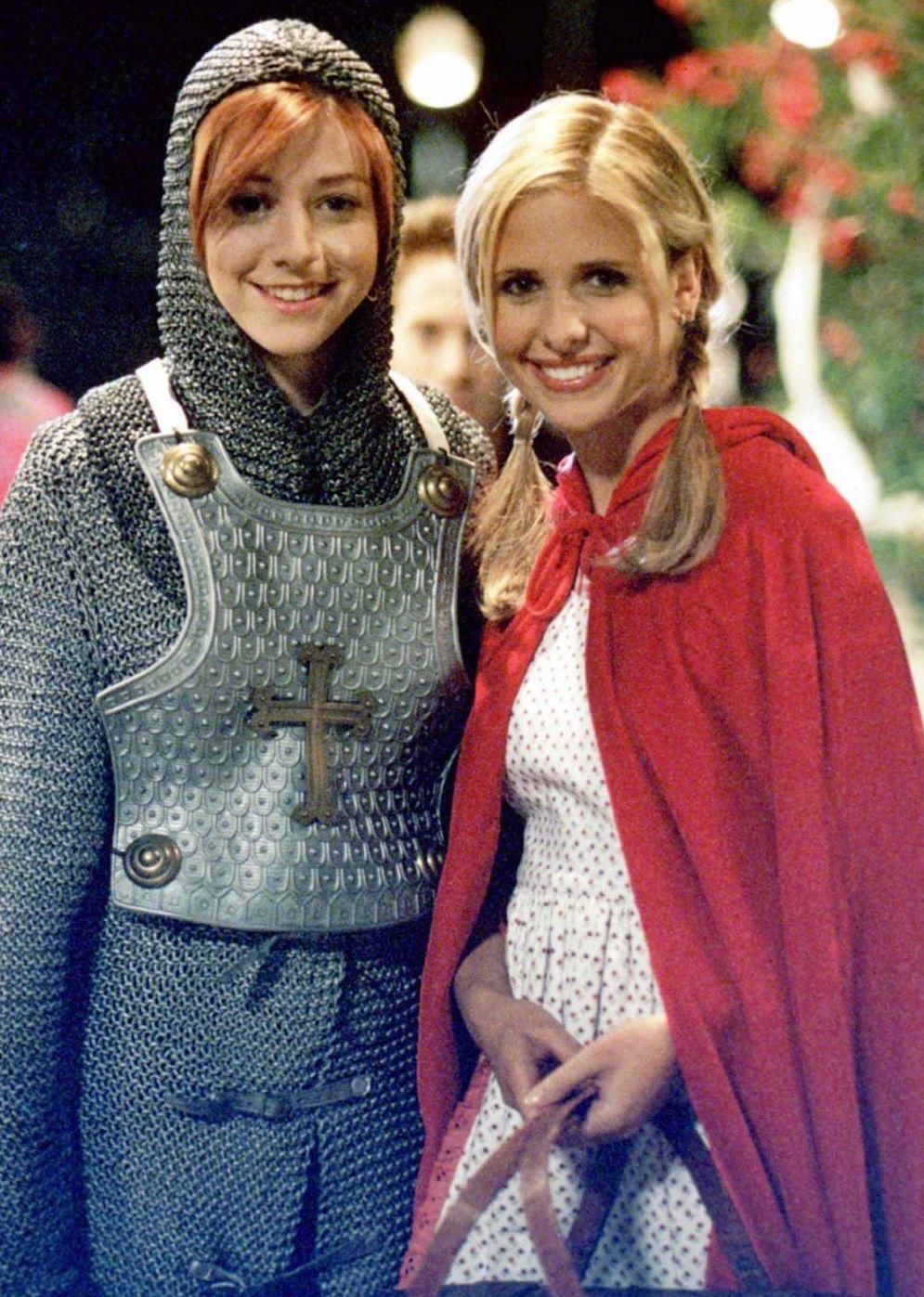Buffy The Vampire Slayer - Halloween Sarah Michelle Gellar and Alyson Hannigan