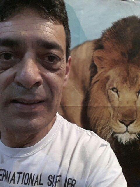 Quase o leão me pega!