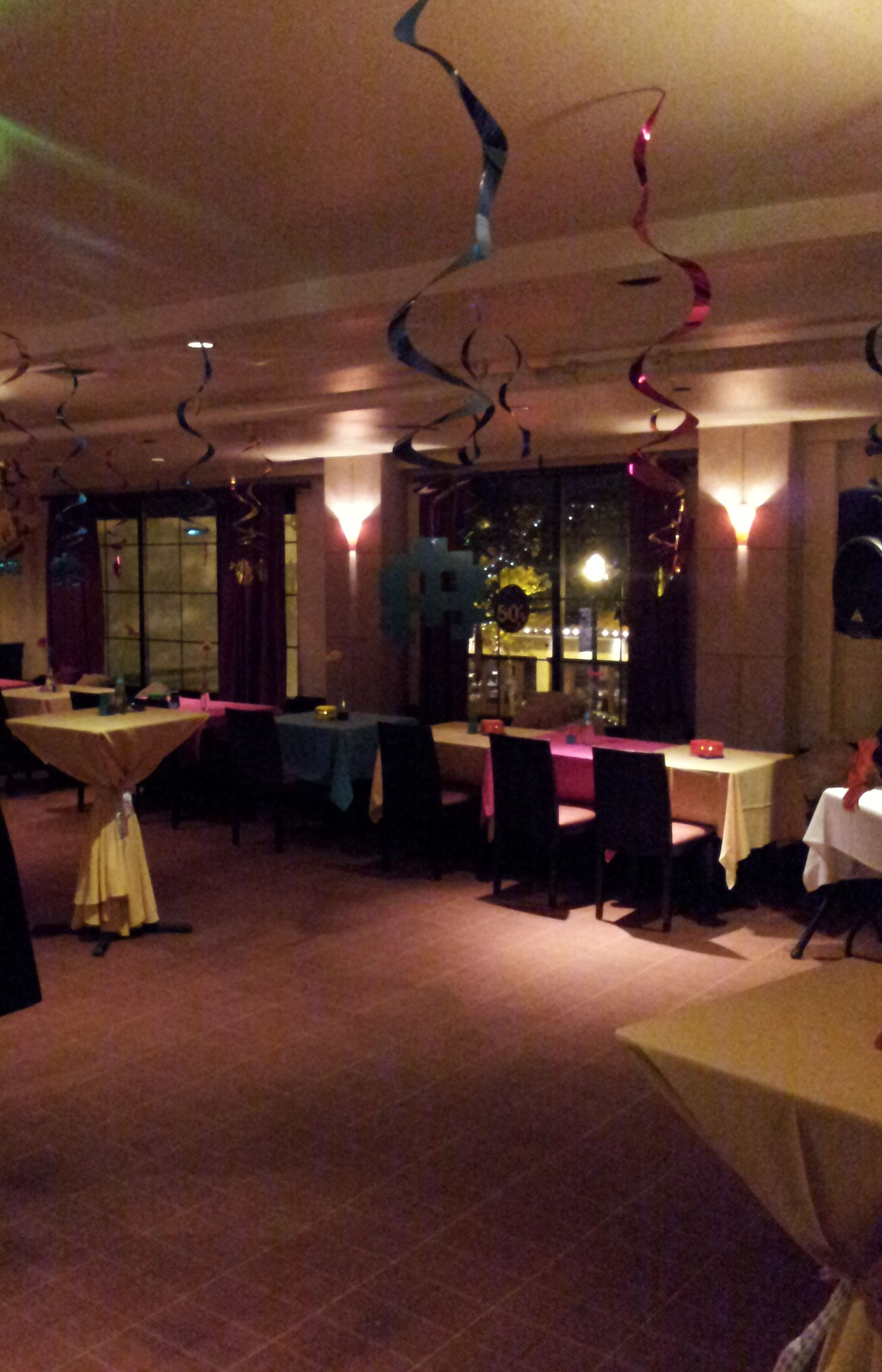 Restaurant 1515 In Walnut Creek Decorated For 80 Theme