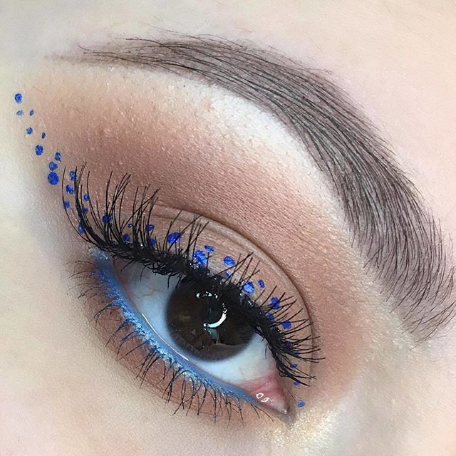 Dot Eyeliner | Make up | Eye Makeup, Beauty makeup, Beauty ...