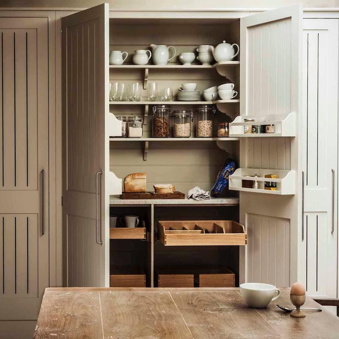 Sectioned Drawers Wall Mounted Bins And Shallow Shelves Make The Interior Of This Cabinet Designed By Plainenglishuk A Breeze To Organize See This And Mor
