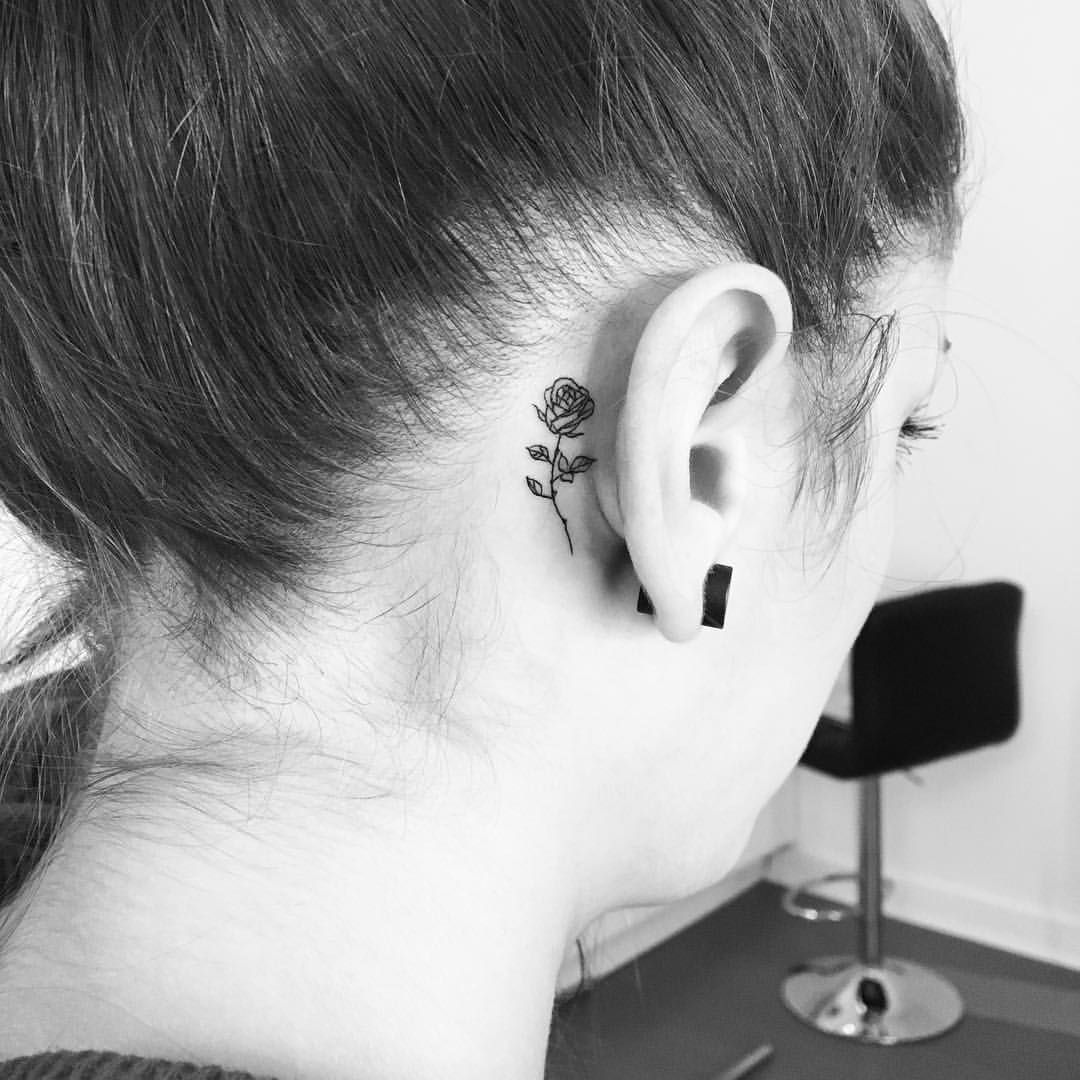4 923 Likes 22 Comments Evantattoo On Instagram Rose Steffi Rh Evanrose Evantattoo Eva Rose Tattoo Behind Ear Behind Ear Tattoos Tiny Rose Tattoos