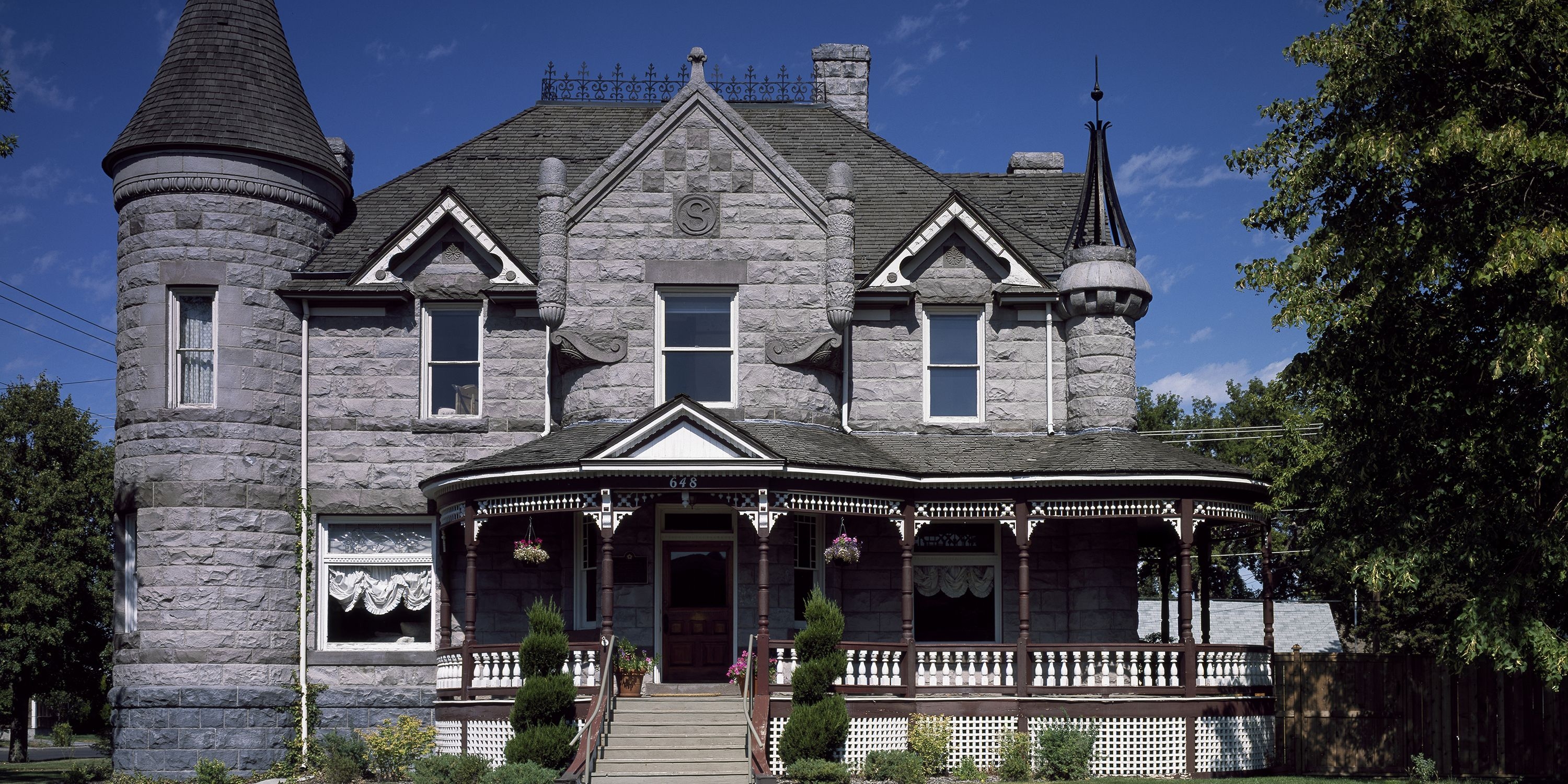 The 50 Most Famous Historic Houses In Every State Historic Homes Houses In America Mansions