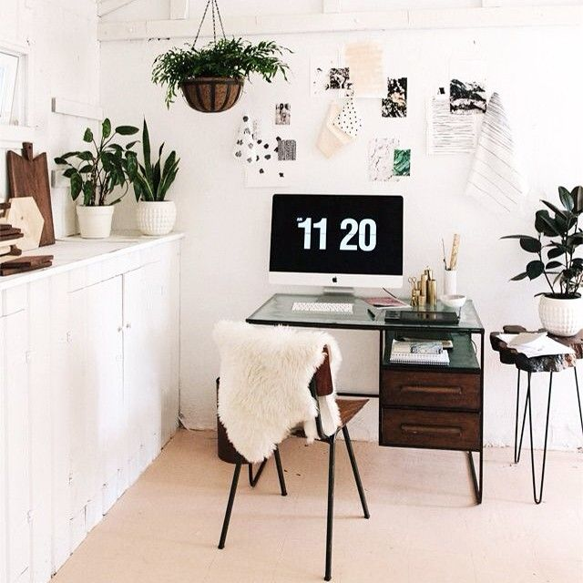 Dreamy workspace inspo via @sarahshermansamuel ♥️ #workspace #homeoffice #desk #inspiration #interior #interiordesign #interiorinspiration #home #homedeco #homedecor #homedesign #homedecoration #deco...
