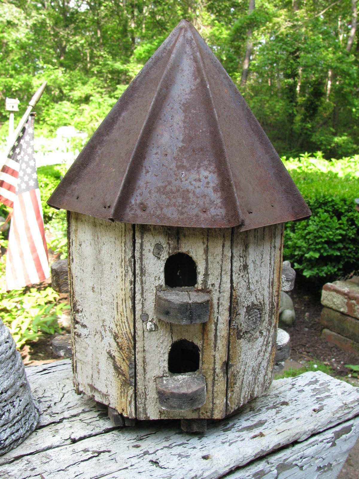 Wonderful octagon shaped tin roof birdhouse in worn old paint nr
