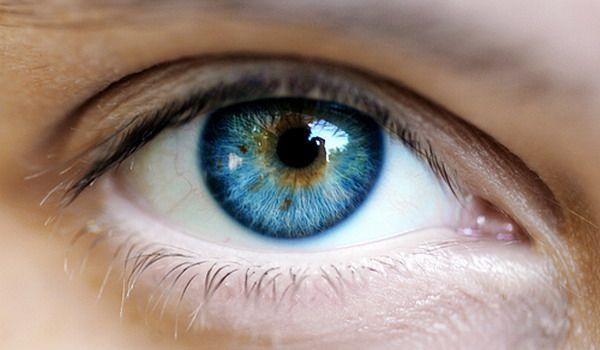 100 de viziuni un ochi)