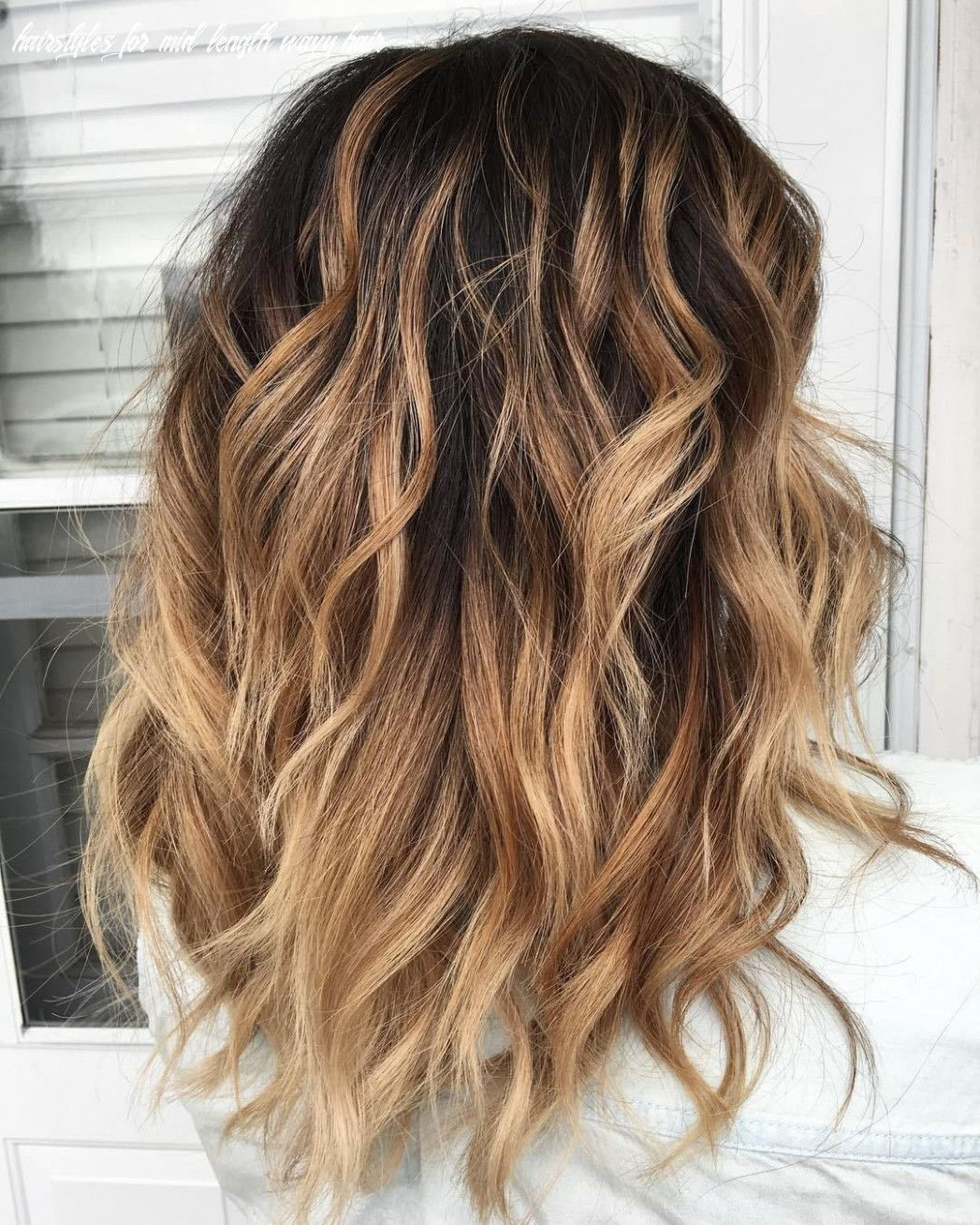10 Hairstyles For Mid Length Wavy Hair Easyhairstylesformediumlengthwavyhair Easyhairstylesf In 2020 Wavy Hairstyles Medium Thick Wavy Hair Medium Length Curly Hair