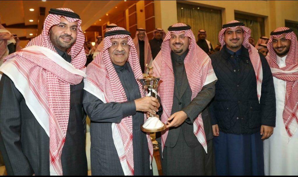 مباشر الخالدية يتوج بلقب كأس الأمير سلطان بن عبدالعزيز العالمي 2020 In 2020 Arabian Horse Academic Dress Horses