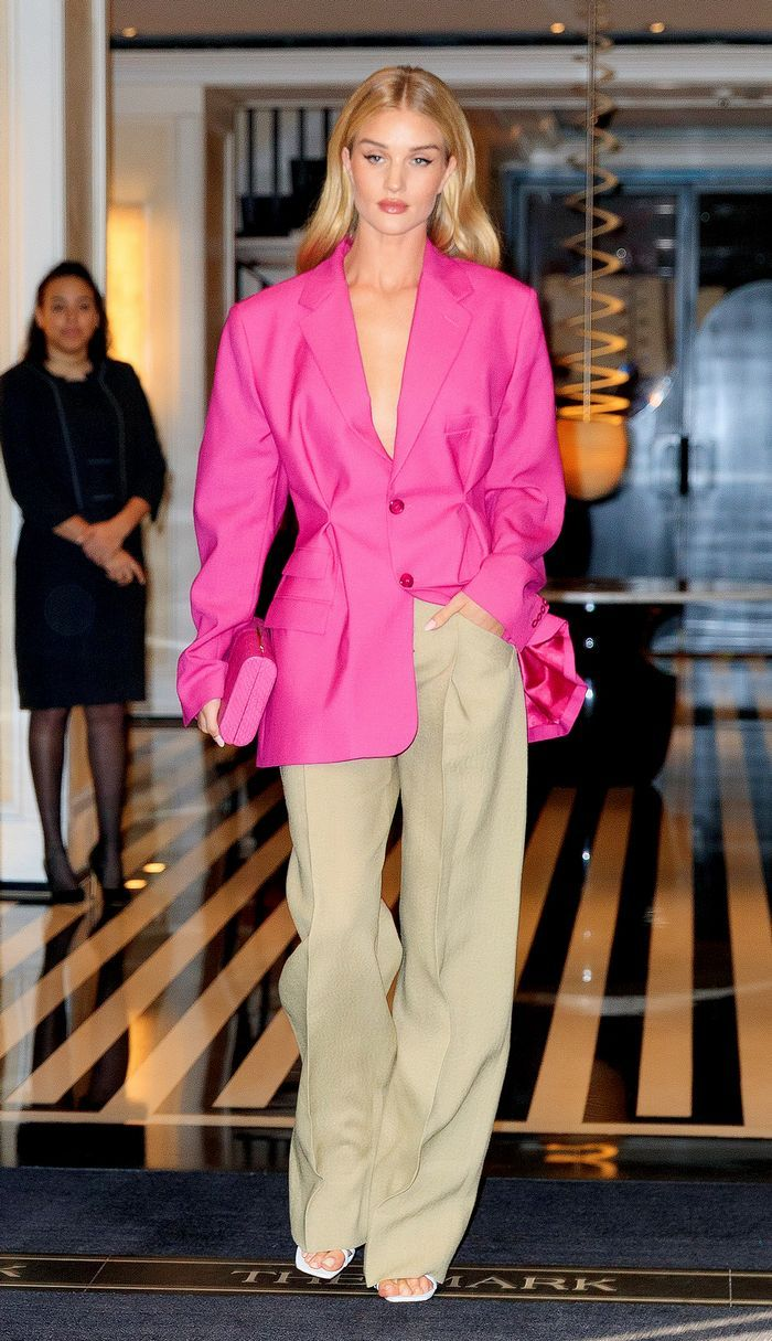 Best Rosie Huntington-Whiteley outfit in a blazer and pants