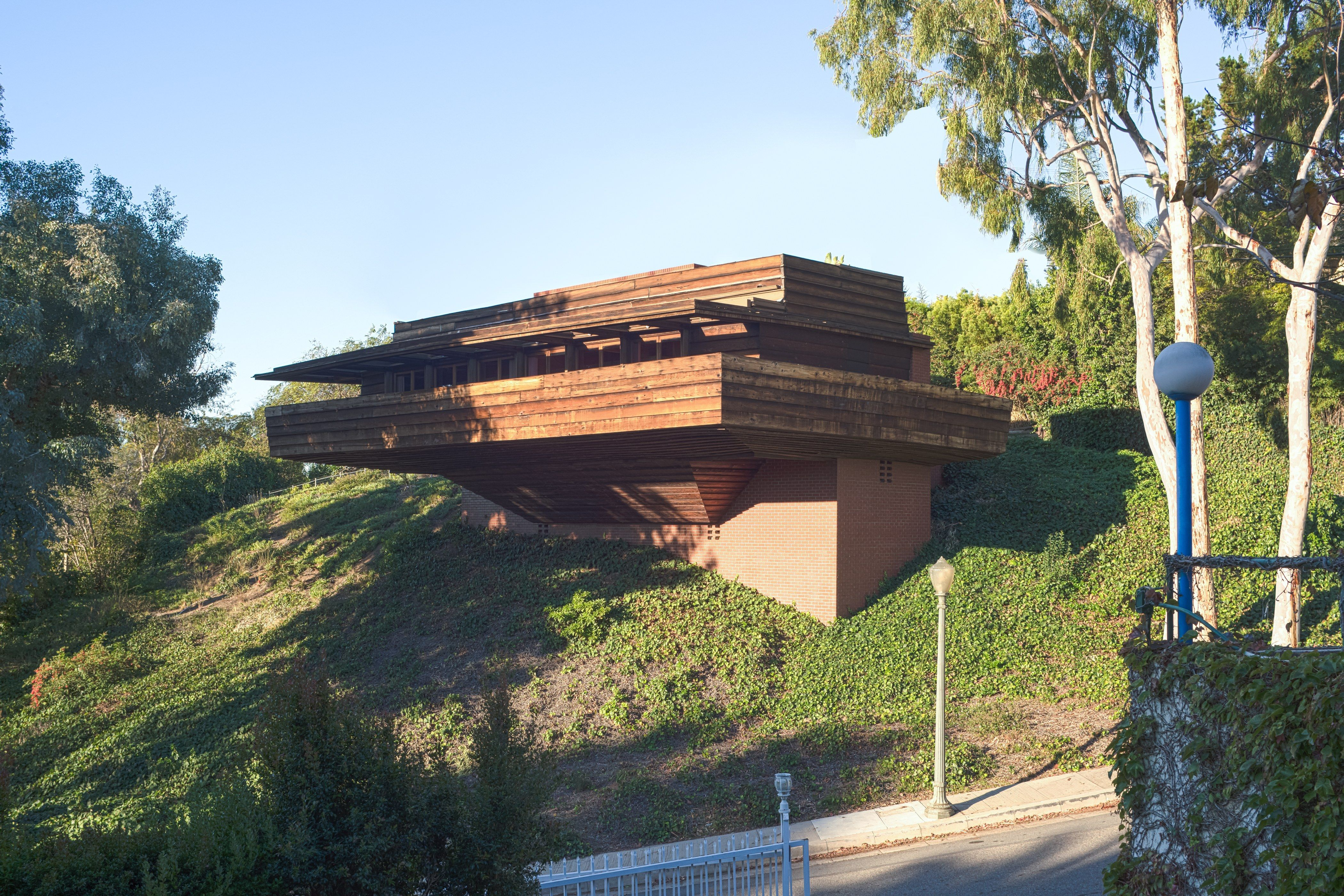 Frank Lloyd Wright Floating Sturges Home In Los Angeles