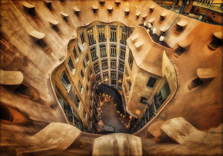 La Pedrera Barcelona. by massimo cuomo #xemtvhay