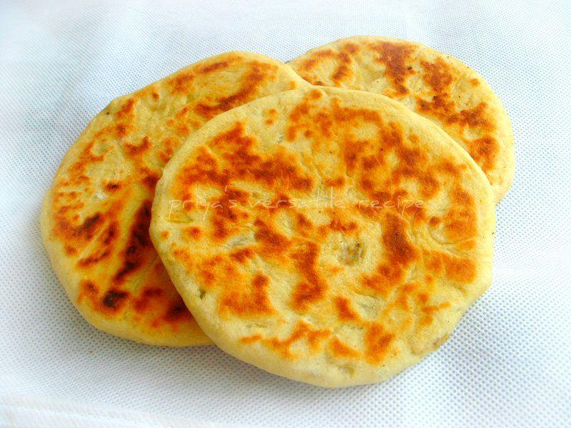 Onion kulcha: Priya's Versatile Recipes | Recipes, Indian ...