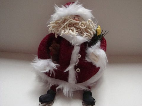 Decoration: Santa with Skates - ThinkArtisan