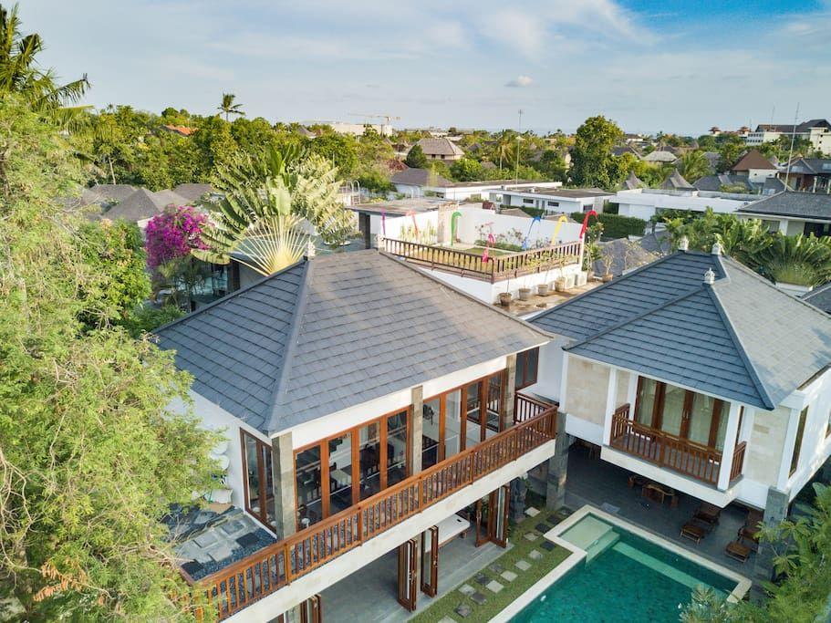 in Kuta Utara, ID Villa Khaleesi boasts three Super King Suites and