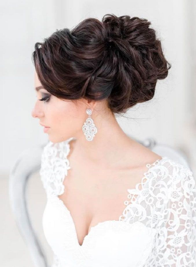 15 Wedding Hairstyle Ideas For the Brides That Are Perfect For Every Season