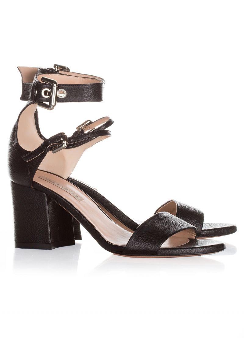 065160bfd Sandalias negras de tacón medio en piel   Zapatos   Sandalias negras ...