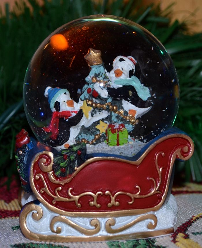 Cute little penguin snowglobe from Rite Aid, about 3 dollars on sale ...