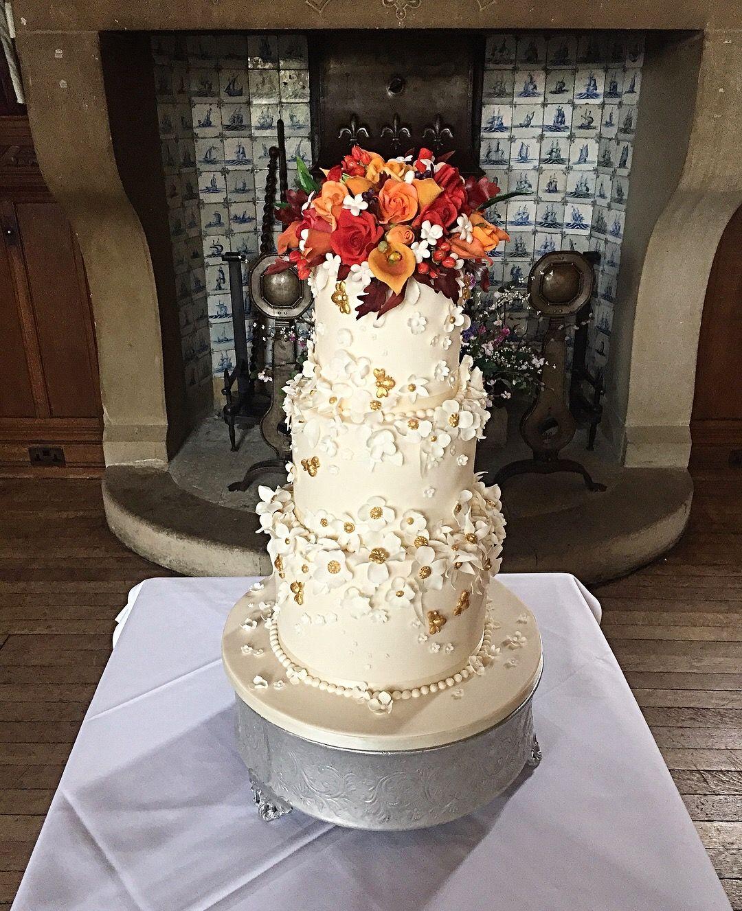 Autumnal wedding cake and flowers wedding cakes pinterest