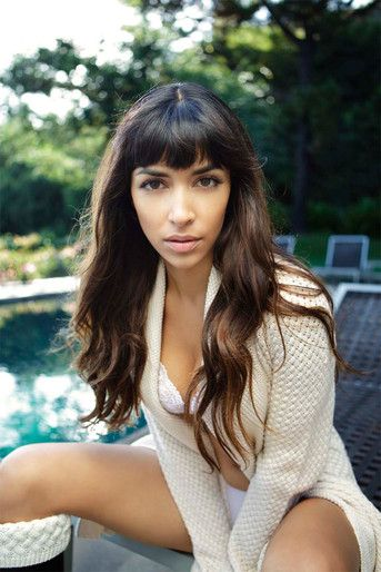 hannah simone before nose job