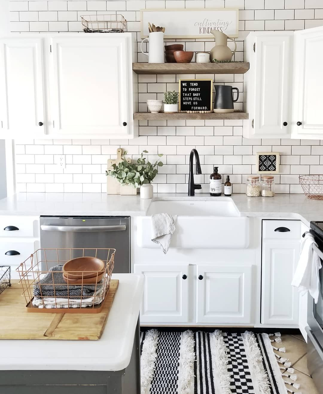 Cynthia Harper On Instagram Removing The Upper Cabinets Above The Sink And Replacing Them With Open Shelves Was One Of Th Kokken Kokken Inspiration Drommehus