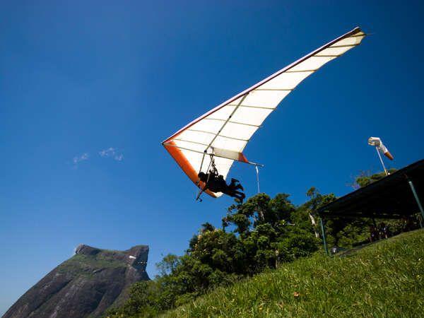 hang glidingg