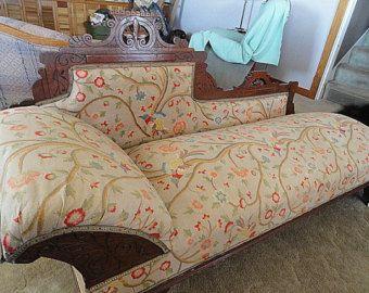 Vintage Antique Victorian Eastlake Design Fainting Couch