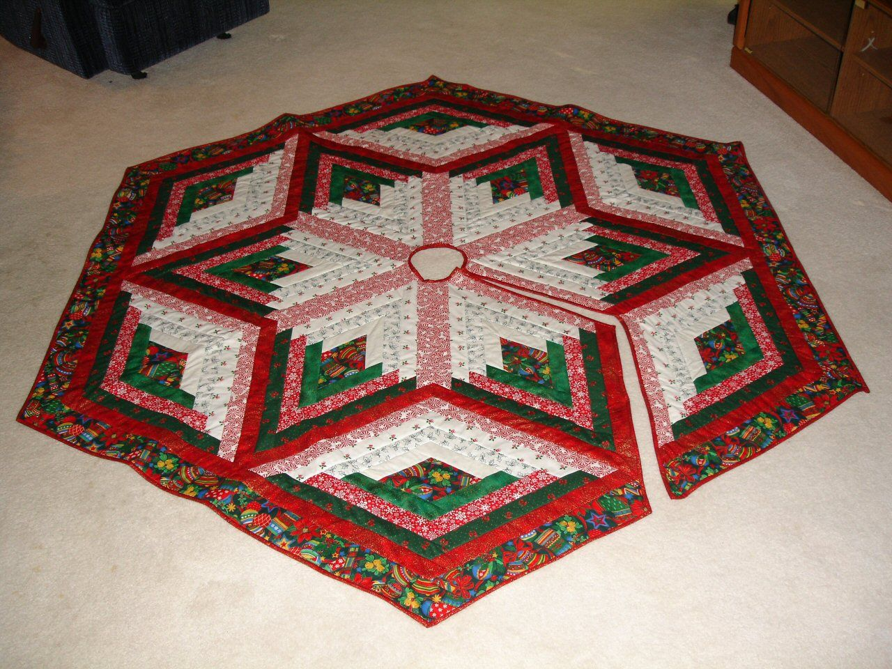 Country Tree Skirt Pattern - Quilt Fabric