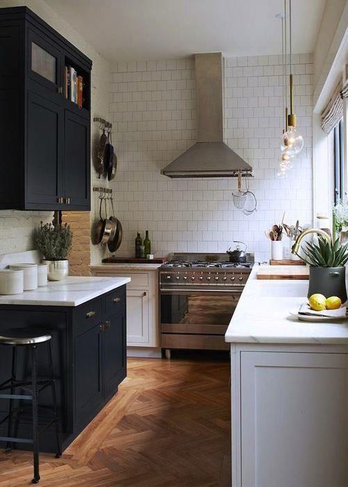 20 idées de cuisine noir et blanc | Umbau kleiner küche ...